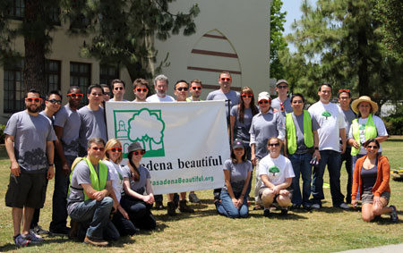 Volunteers at a 2012 Global ReLeaf project in Pasadena, Calif., with the project grantee Pasadena Beautiful Foundation