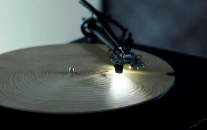 Tree rings record player: Years by Bartholomäus Traubeck