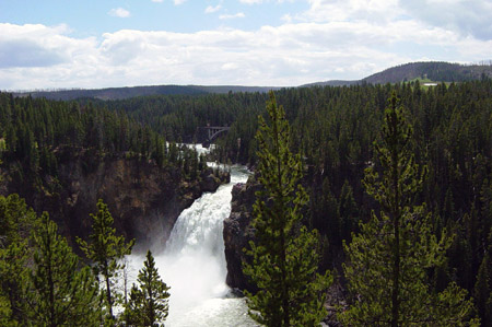 Upper Yellowstone Falls in Yellowstone National Park. Credit: Daniel Mayer/Wikimedia Commons.