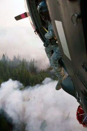The California Army National Guard's 1-140th Aviation Battalion fighting the Rim Fire near Yosemite, Aug. 22, 2013.