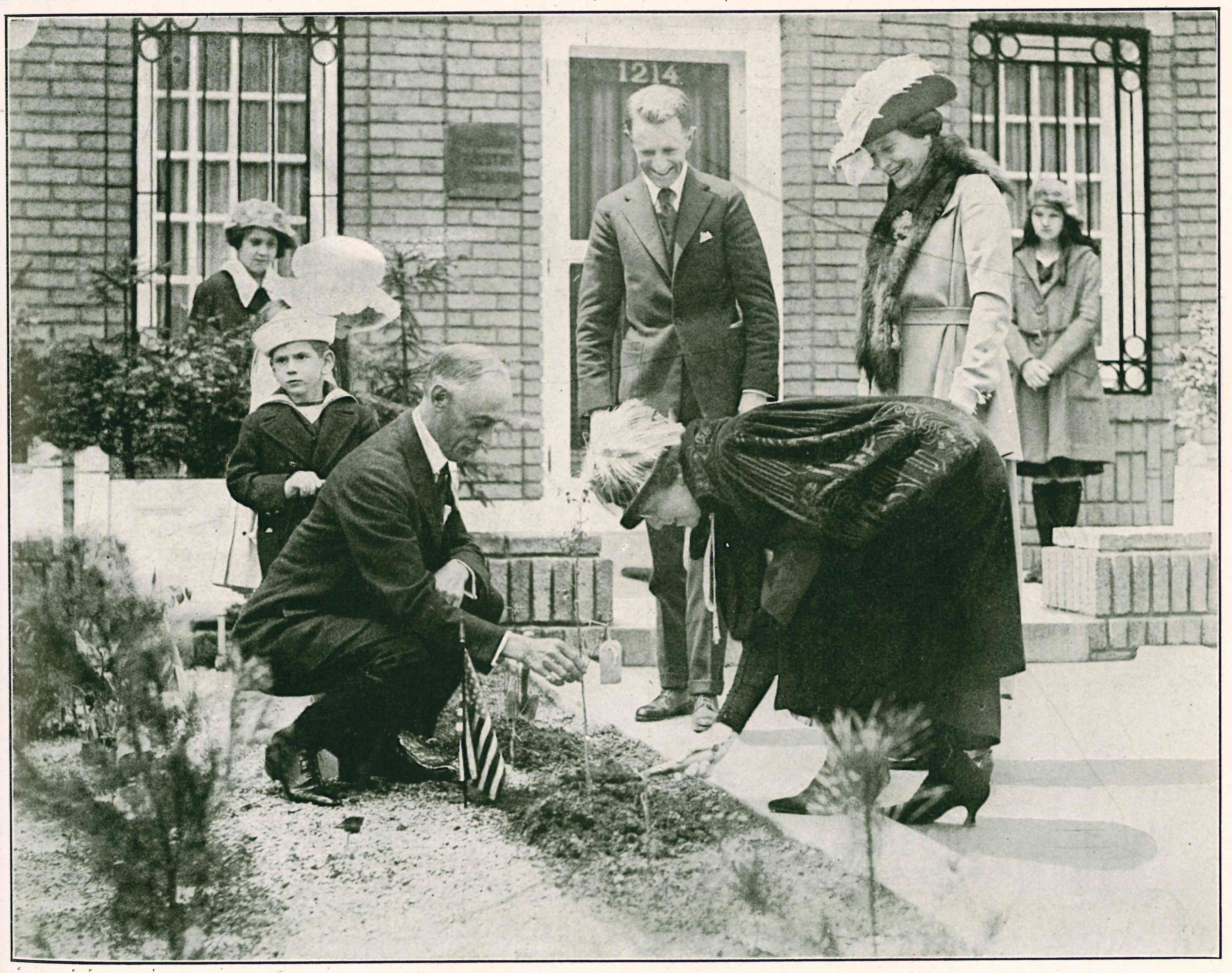First Lady Harding plants a memorial tree