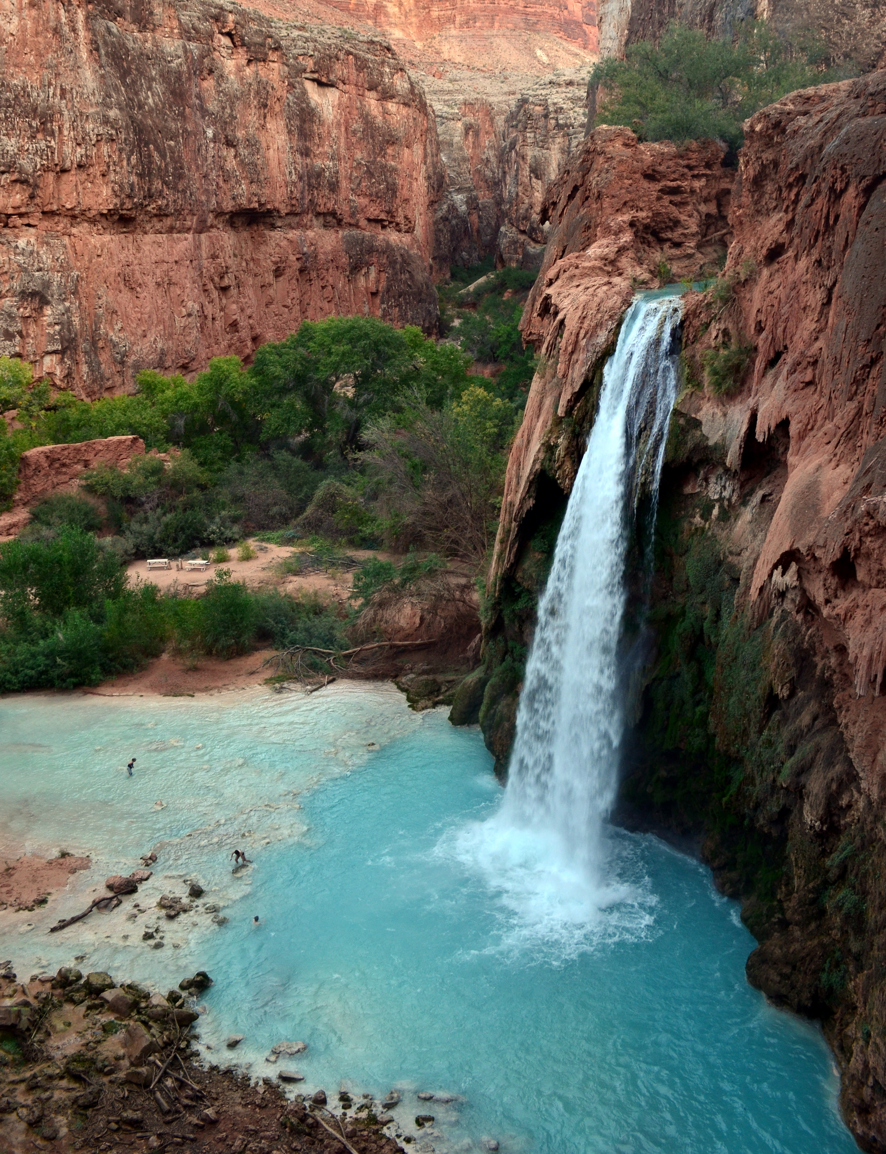 7 Must-Visit Waterfalls Across The U.S.