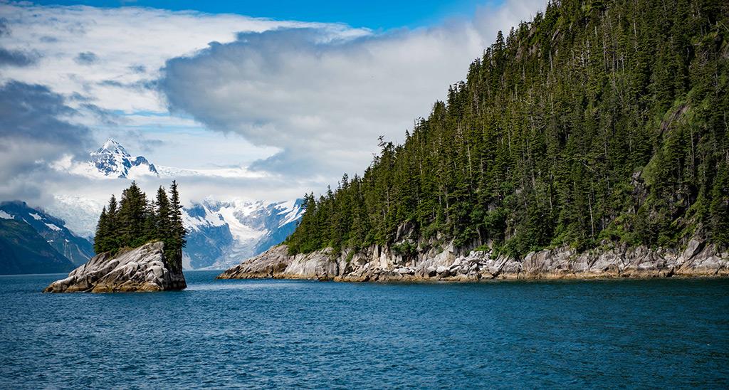 Boat tour toward Northwestern Glacier
